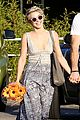 Juli-brooks julianne hough brooks laich whole foods flowers 02