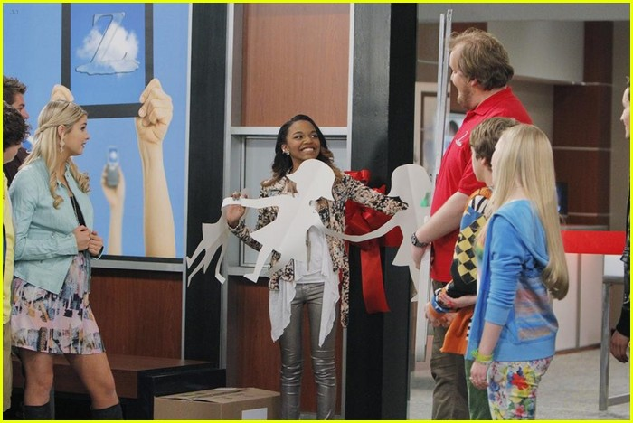 ant farm series finale stills 09