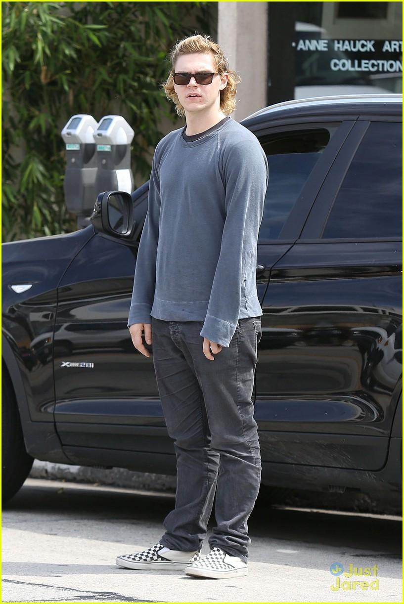 photo of Evan Peters  - car