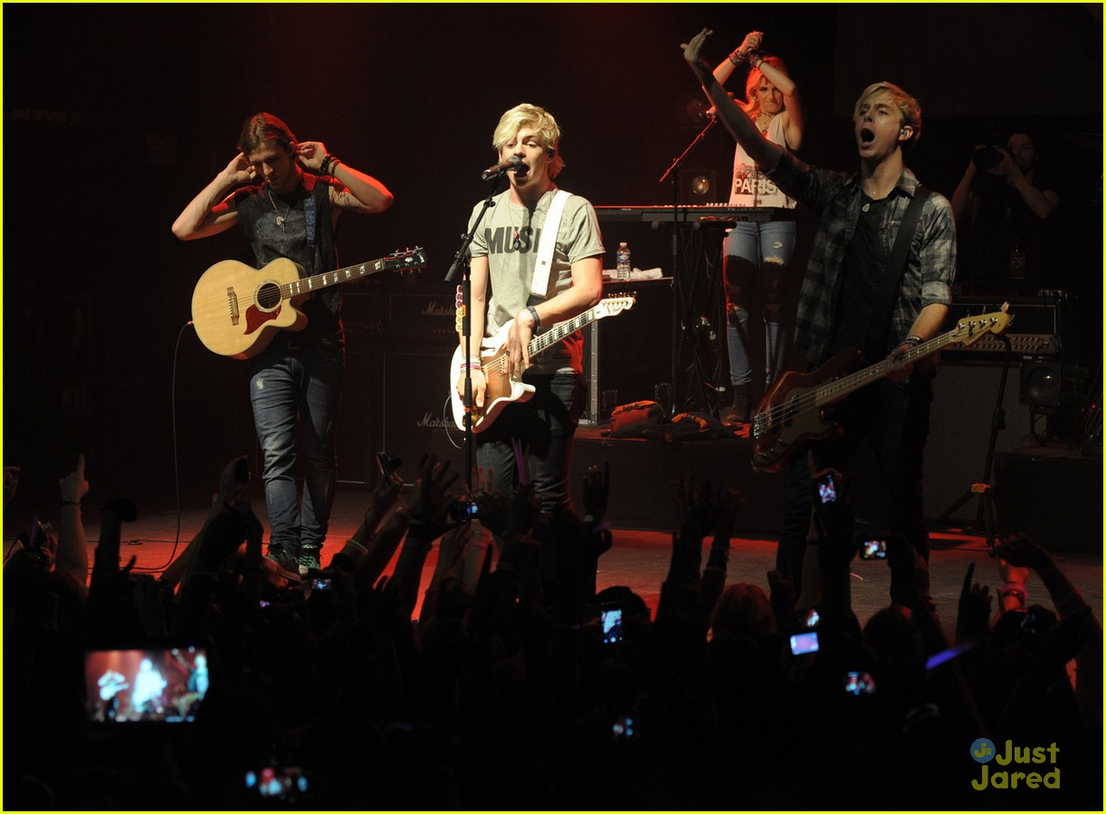 r5 paris la cigale tour stop 02