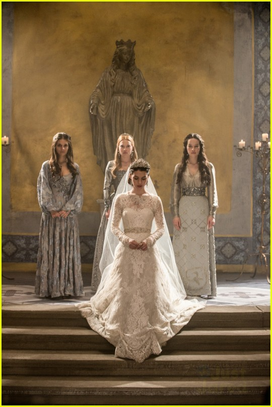 39 reign 39 preview who will mary marry photo 649842 for Reign mary wedding dress