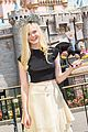 Elle-horns elle fanning maleficent horns disneyland boyfriend 02