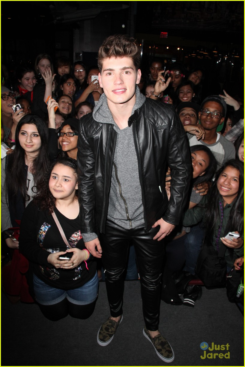 gregg sulkin planet hollywood stop 10