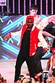Jason-city jason derulo jordin sparks get cozy on stage 31