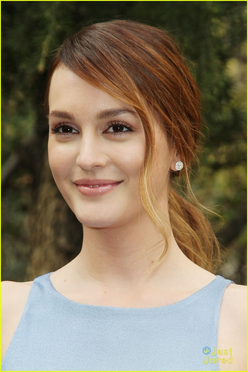About Photo # 665212 : Leighton Meester exudes effortlessness at the ... Leightonmeester