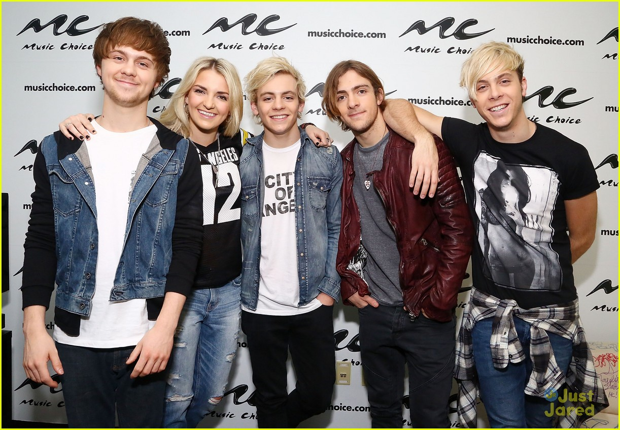 r5 jams out with some fans10