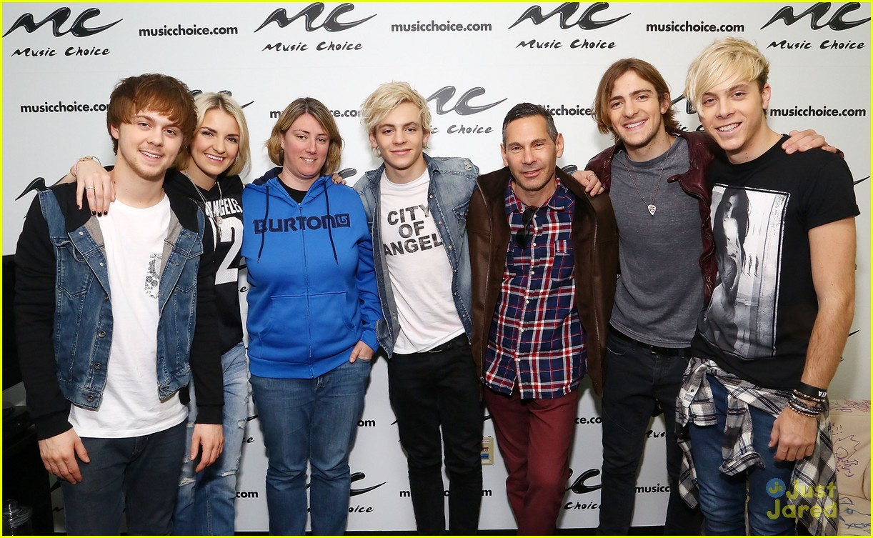 r5 jams out with some fans11