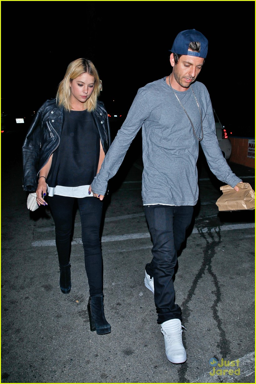 ashley benson and tyler blackburn dating 2014 Aug 14 2014 caleb may be dating ashley benson's character hanna on the show, but — shield your eyes, haleb devotees that said, tyler blackburn does have a girlfriend irl who suuuuuure looks a lot like her.