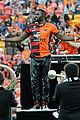 Derulo-soccer jason derulo jumps around at the australian football a league grand final12