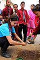 Selena-nepal selena gomez travels nepal pics 08