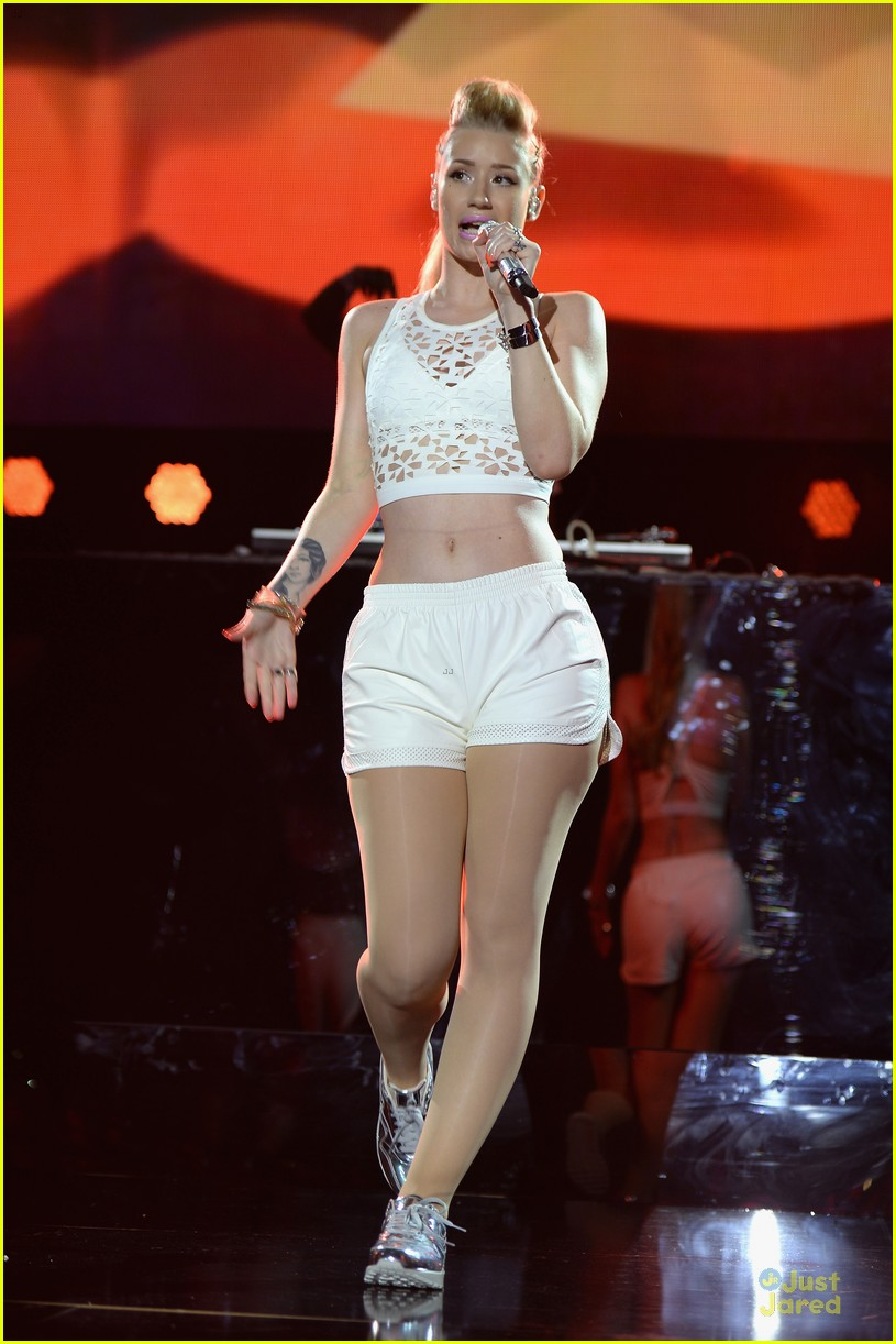 iggy azalea major skin at iheartradio pool party 09