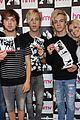 R5-manchester r5 ellington ratliff lost voice album signing 04