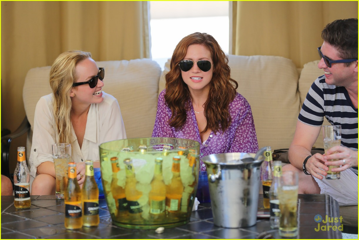 anna camp glamping brittany snow vegas 03