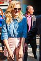 Chloe-chicago chloe moretz mobbed by fans if i stay chicago cupcakes 04