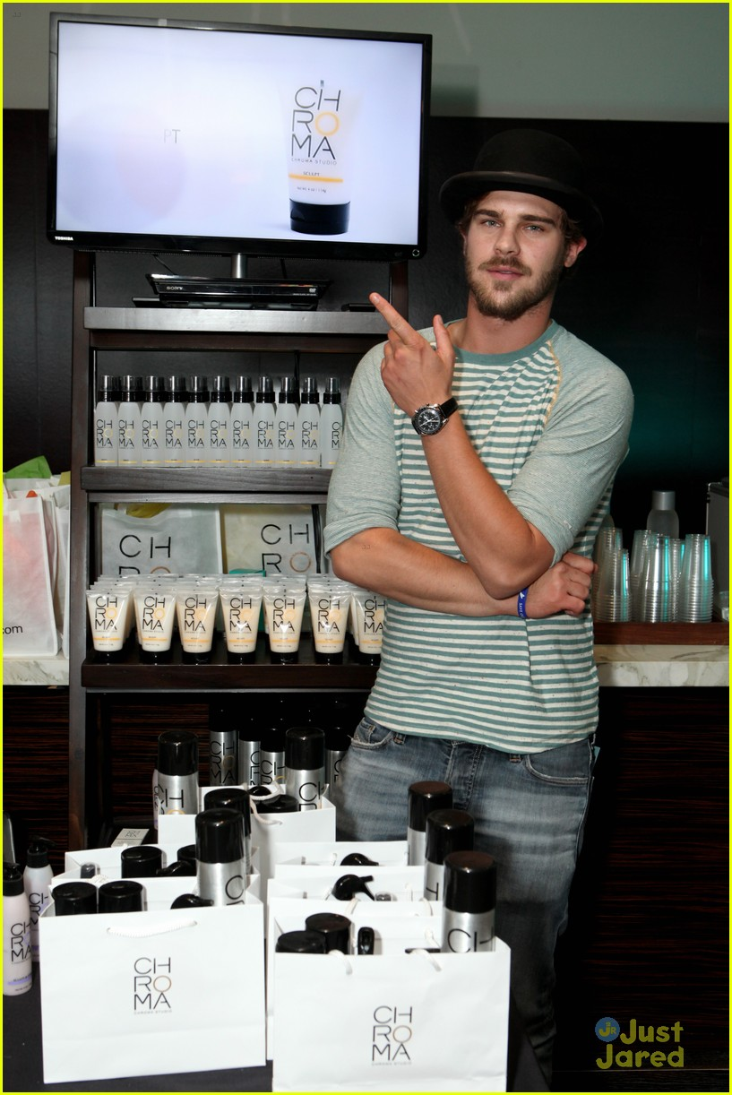 bailey madison grey damon kari style lounge 12