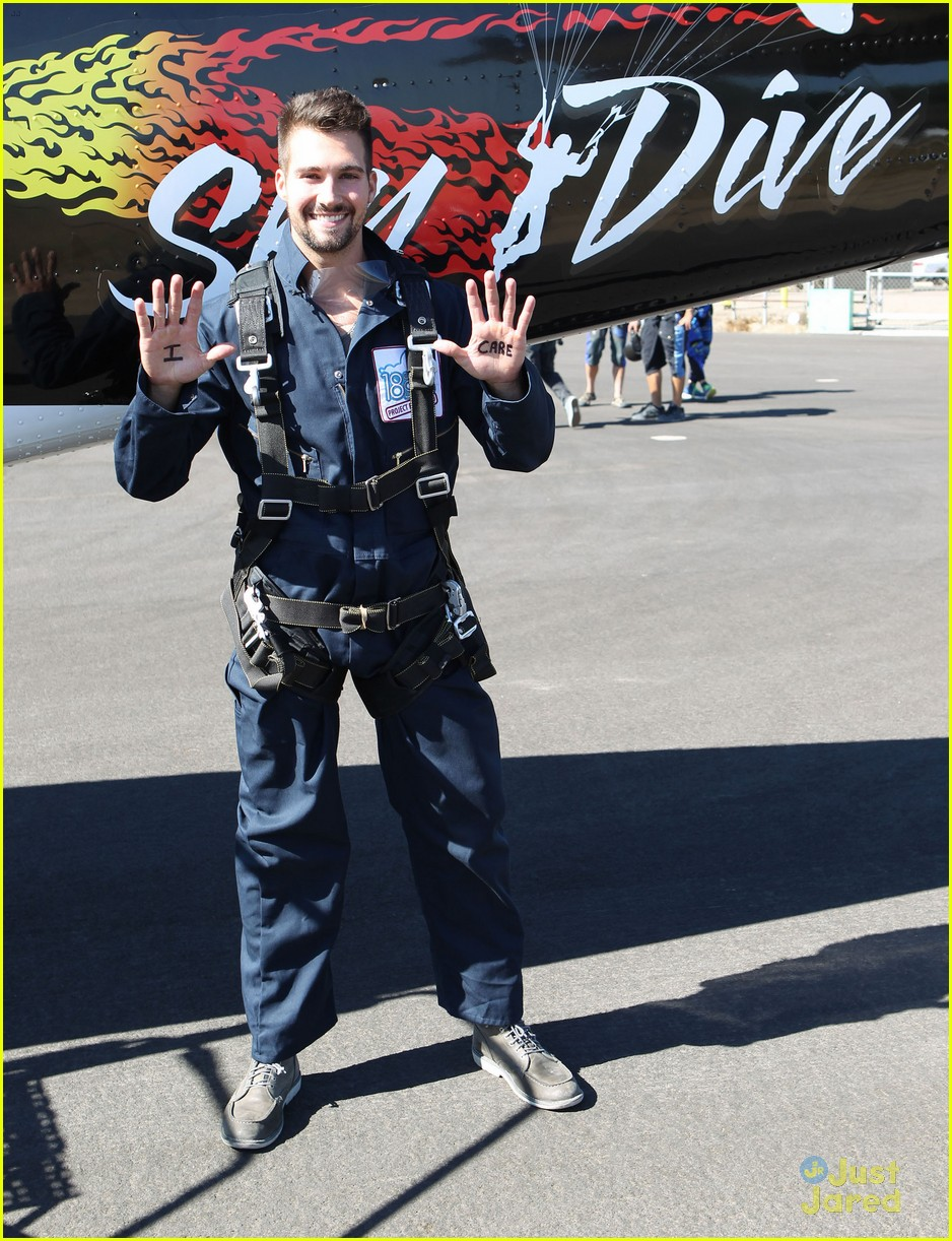 james maslow skydives carlos alexa penavega 16