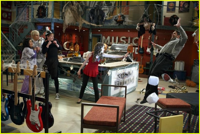 austin ally scare fest excl clip 12