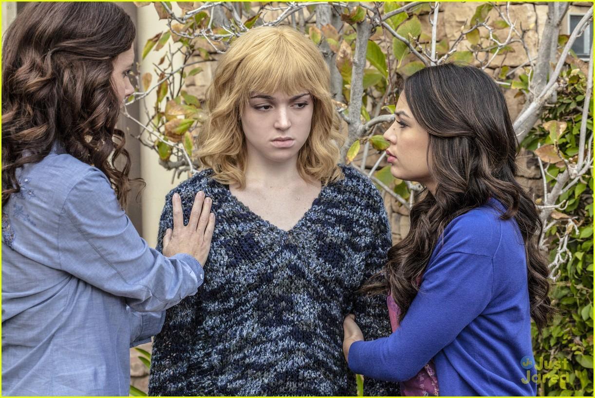 ... High School Possession. In the movie, school paper editor Lauren