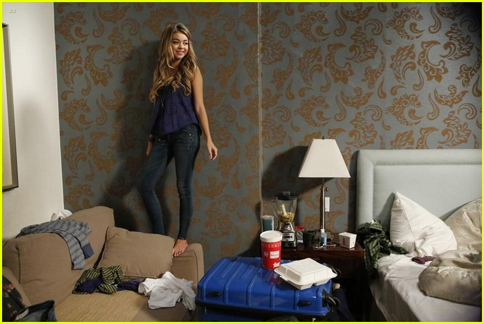 Modern Family Haley And Alex Bedroom