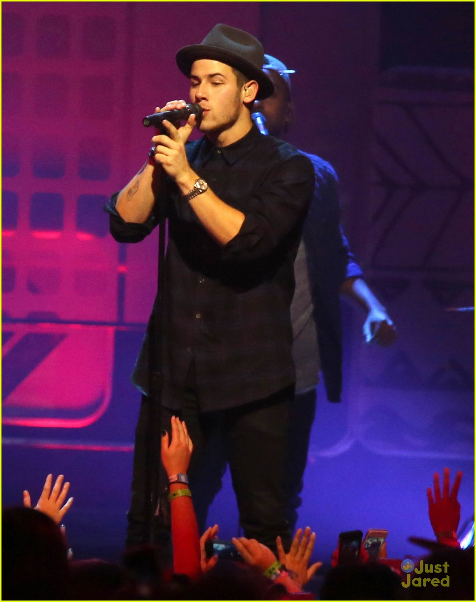 Full sized photo of nick jonas performs jealous we day vancouver 04