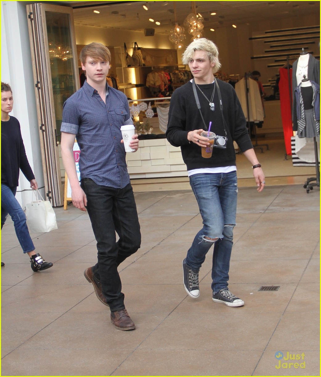 austin ally cast hang out at the grove 11