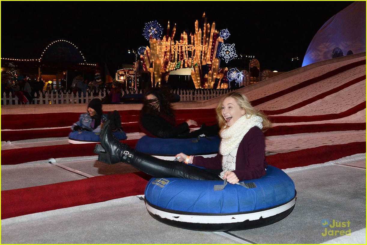 dove cameron liv maddie cast big chill queen mary event 28