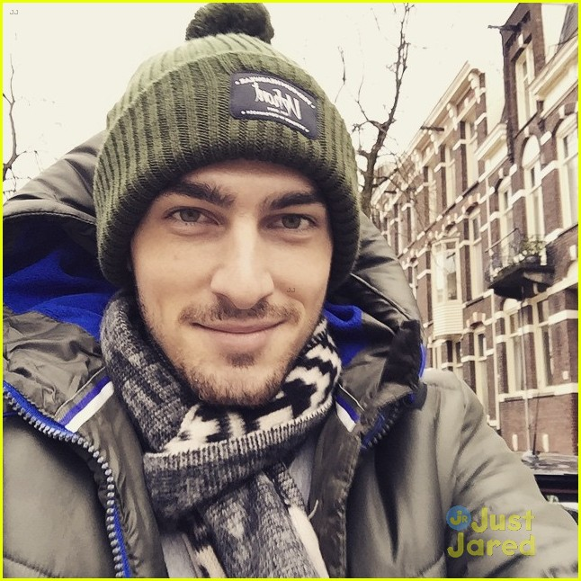 kendall schmidt spends the holidays in europe see his. Black Bedroom Furniture Sets. Home Design Ideas