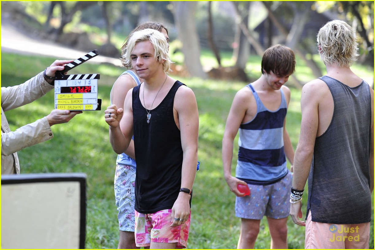 r5 smile music video photos ross lynch wet 13