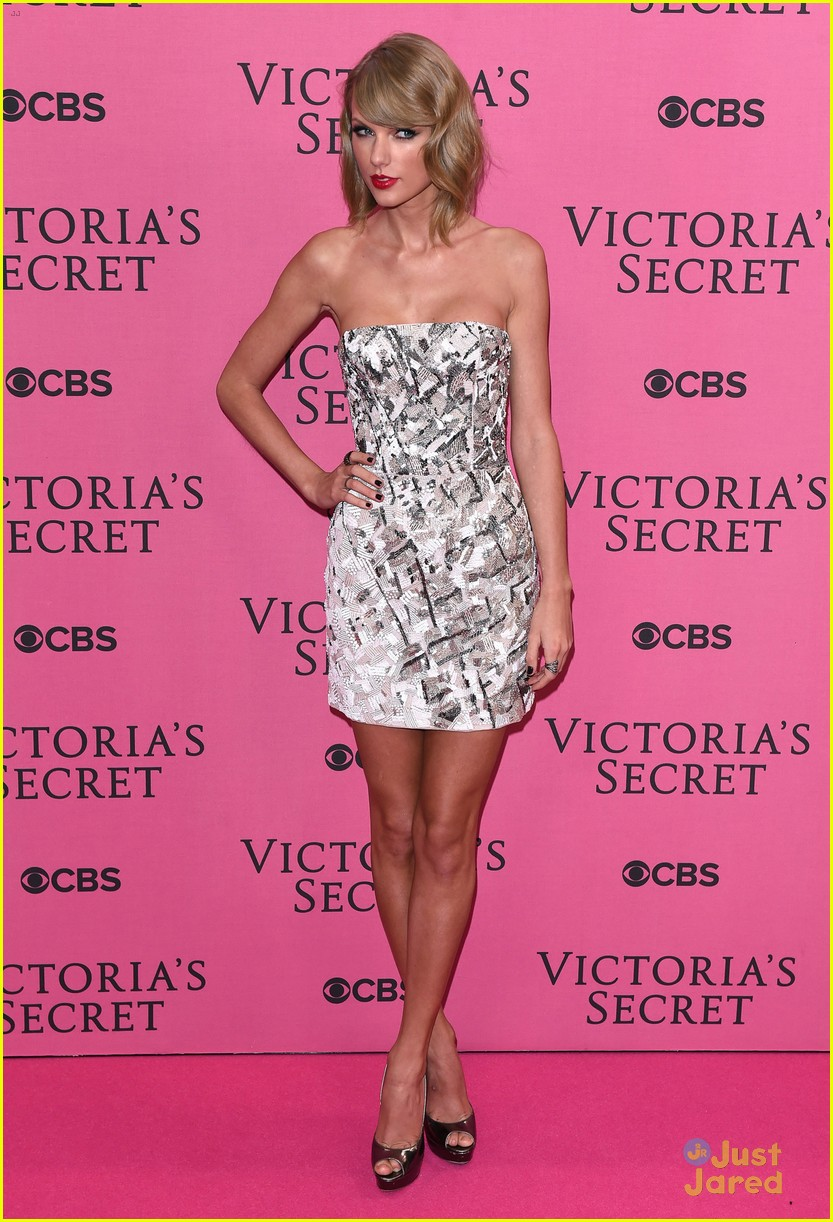 Taylor Swift Has Legs For Days On Victoria 39 S Secret Fashion Show Pink Carpet Photo 749303