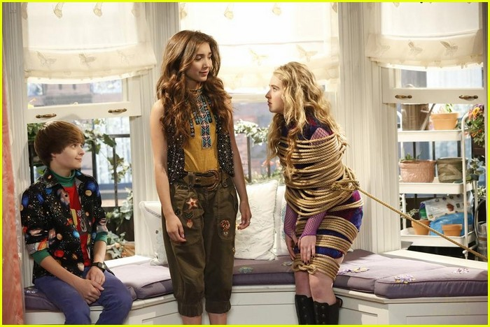 girl meets world lucas and riley break up Girl meets world is a teen sitcom on disney channel, a sequel to the 1990s sitcom boy meets world farkle minkus: i just never asked one out because i knew it would break the heart of the other lucas friar: maya hart: (she and riley both walk up to lucas and farkle) hey ranger rick: lucas friar: hey, other one.