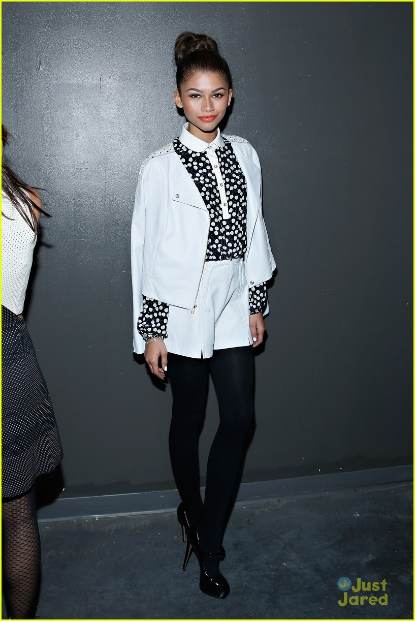 Fashion Flashback See All Of Zendaya 39 S Looks At Last Year 39 S Nyfw Photo 774456 Photo