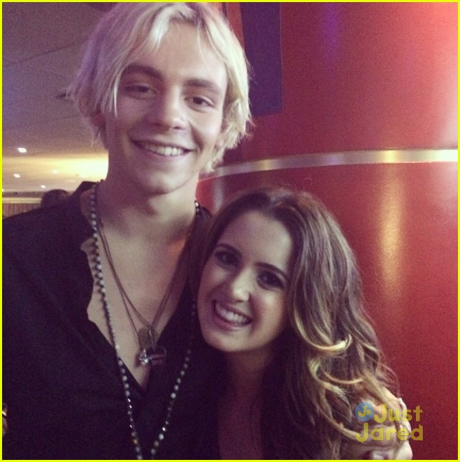 austin and ally dating 2015