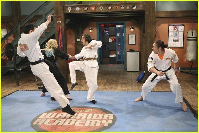 Kim Crawford Returns To 'Kickin' It' Tonight! See The Pics ...
