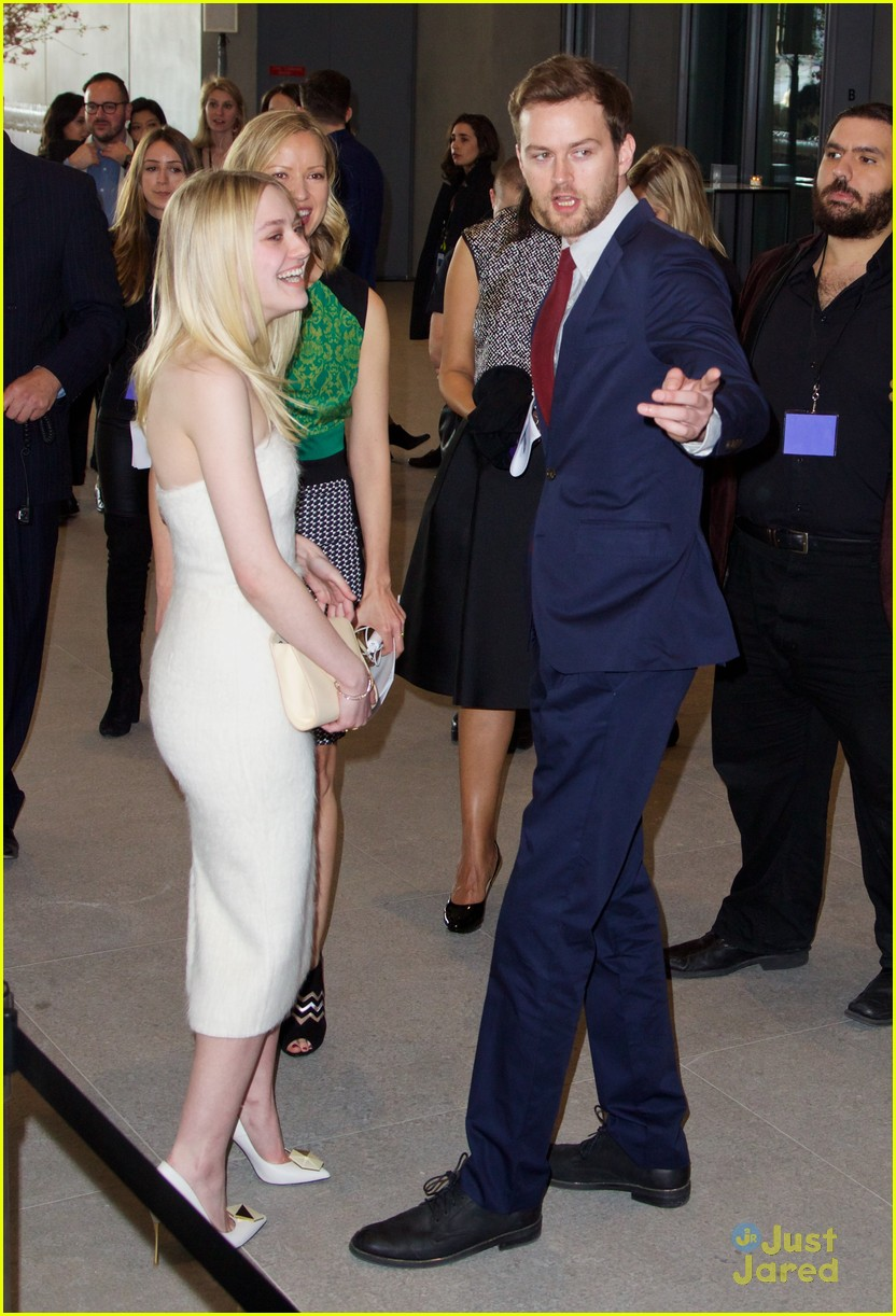 dakota fanning sarah parker whitney museum opening night 04