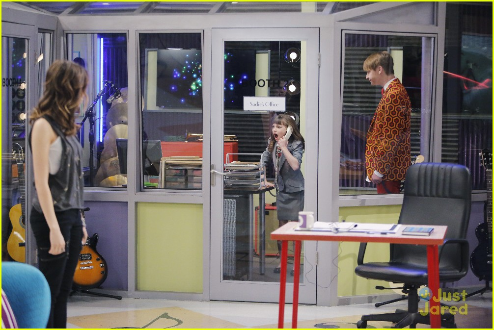 austin ally mini mes muffin baskets stills 11