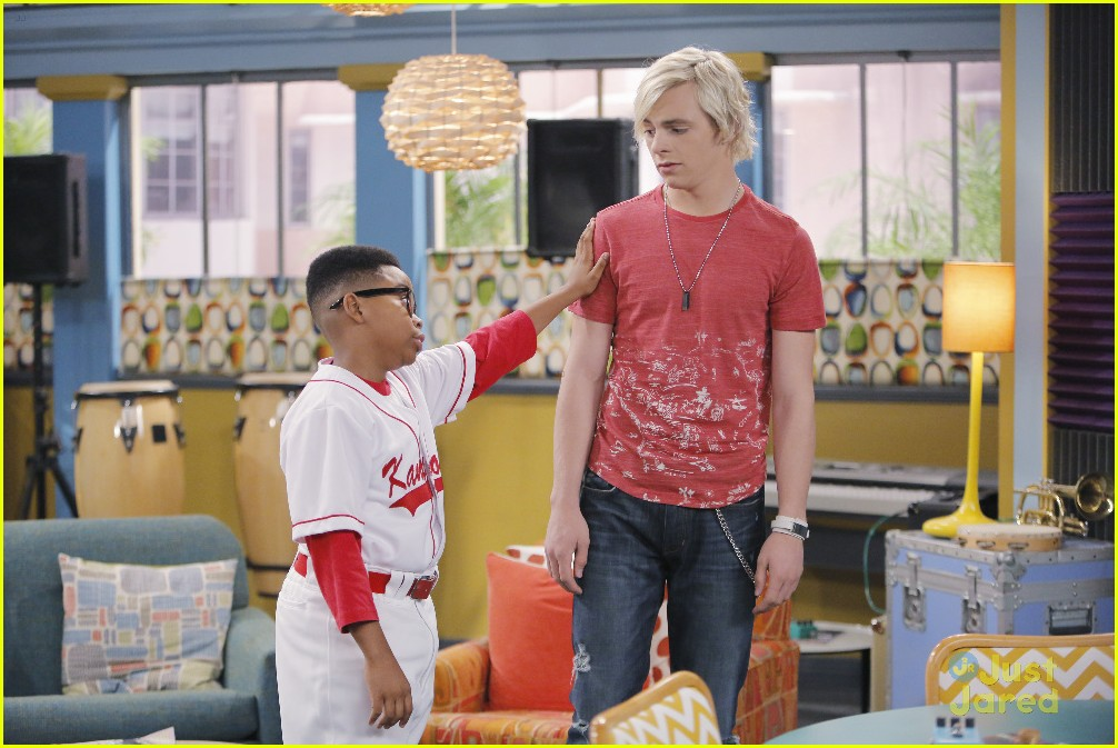 austin ally mini mes muffin baskets stills 13
