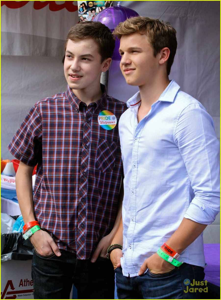 hayden byerly dating The show flashes back to jude and callie's first christmas with the family, and  hollywoodlifecom spoke exclusively to hayden byerly.