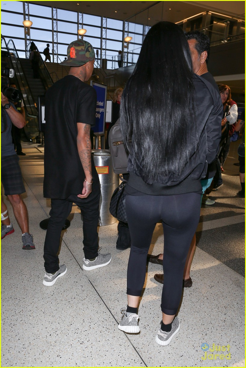 Kylie Jenner u0026 Tyga Coordinate Their Black Outfits at LAX Airport | Photo 829147 - Photo Gallery ...