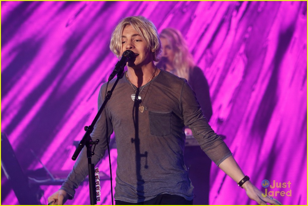 r5 jimmy kimmel live pics performance 01