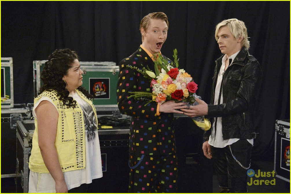 Who Is Trish Dating On Austin And Ally