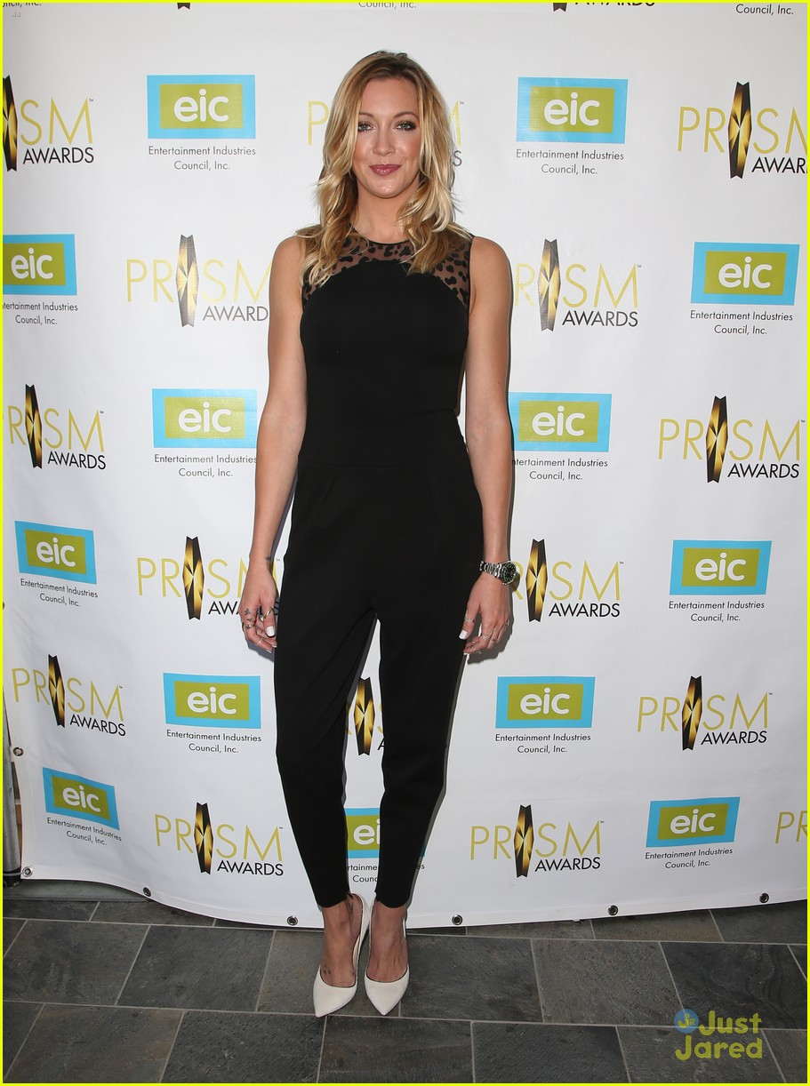 katie cassidy prism awards los angeles win 07