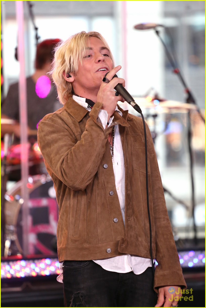 r5 all night good morning america 03