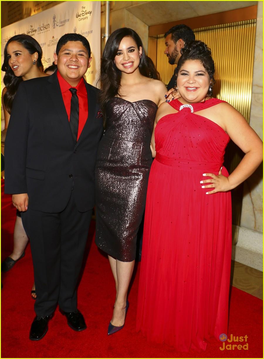 sofia carson raini rodriguez 2015 imagen awards 03