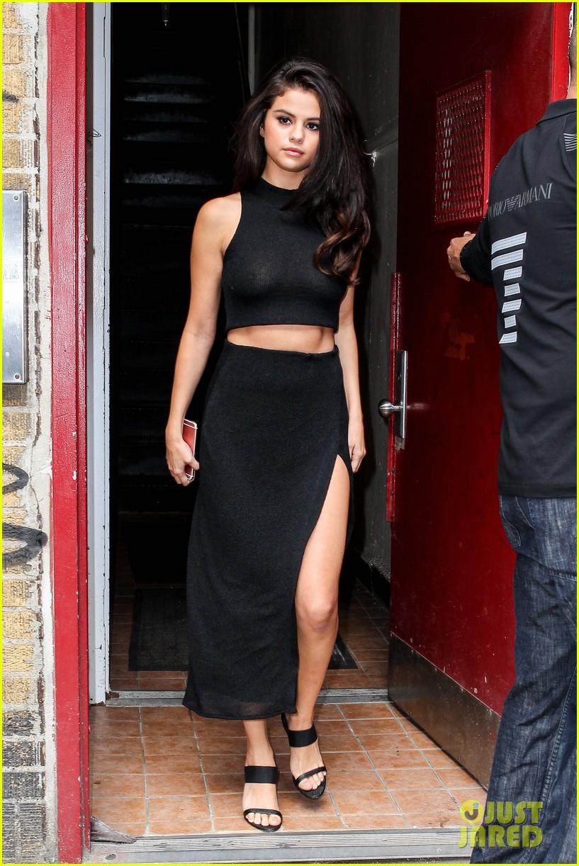Selena Gomez Reveals the Four Women She Confides In | Photo 878858 ...