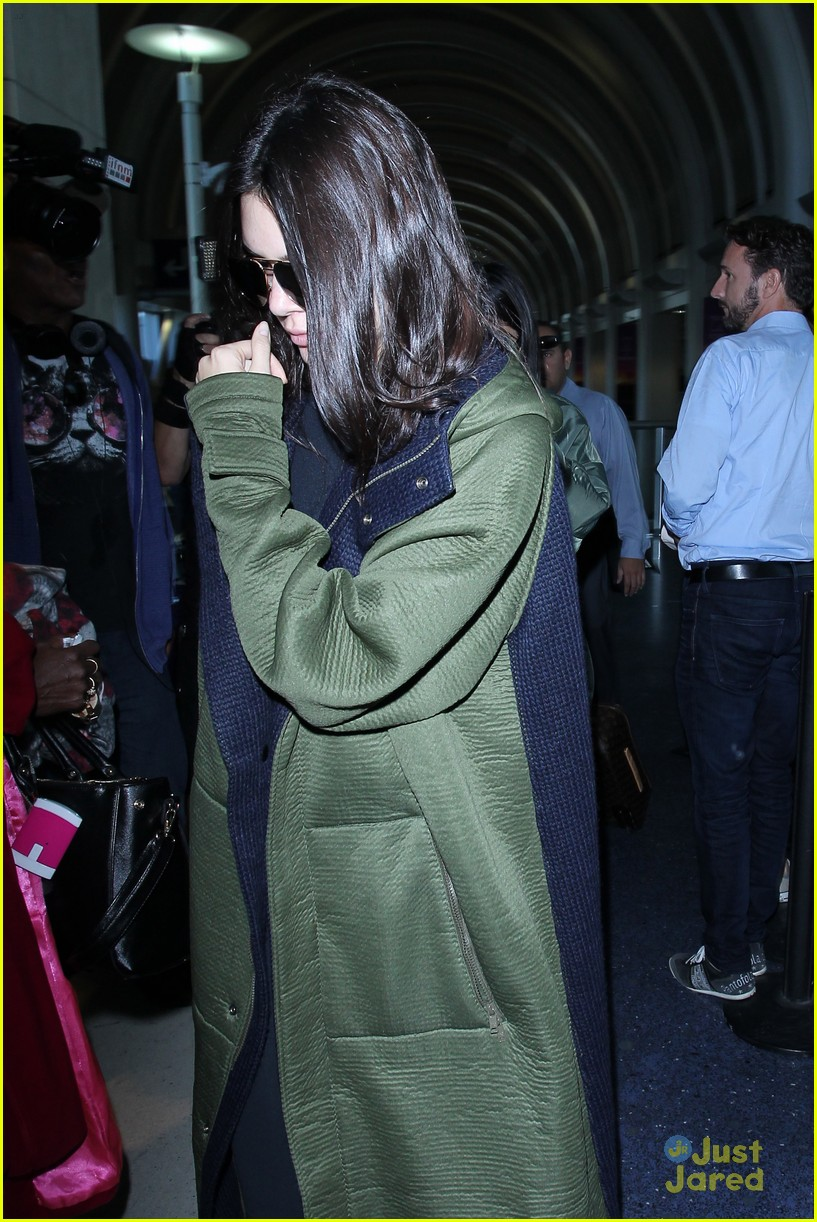 kendall kylie jenner lax again after balmain show 11