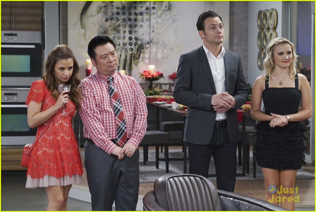 Young & Hungry' Celebrates The Holidays On Tonight's Special Ep ...
