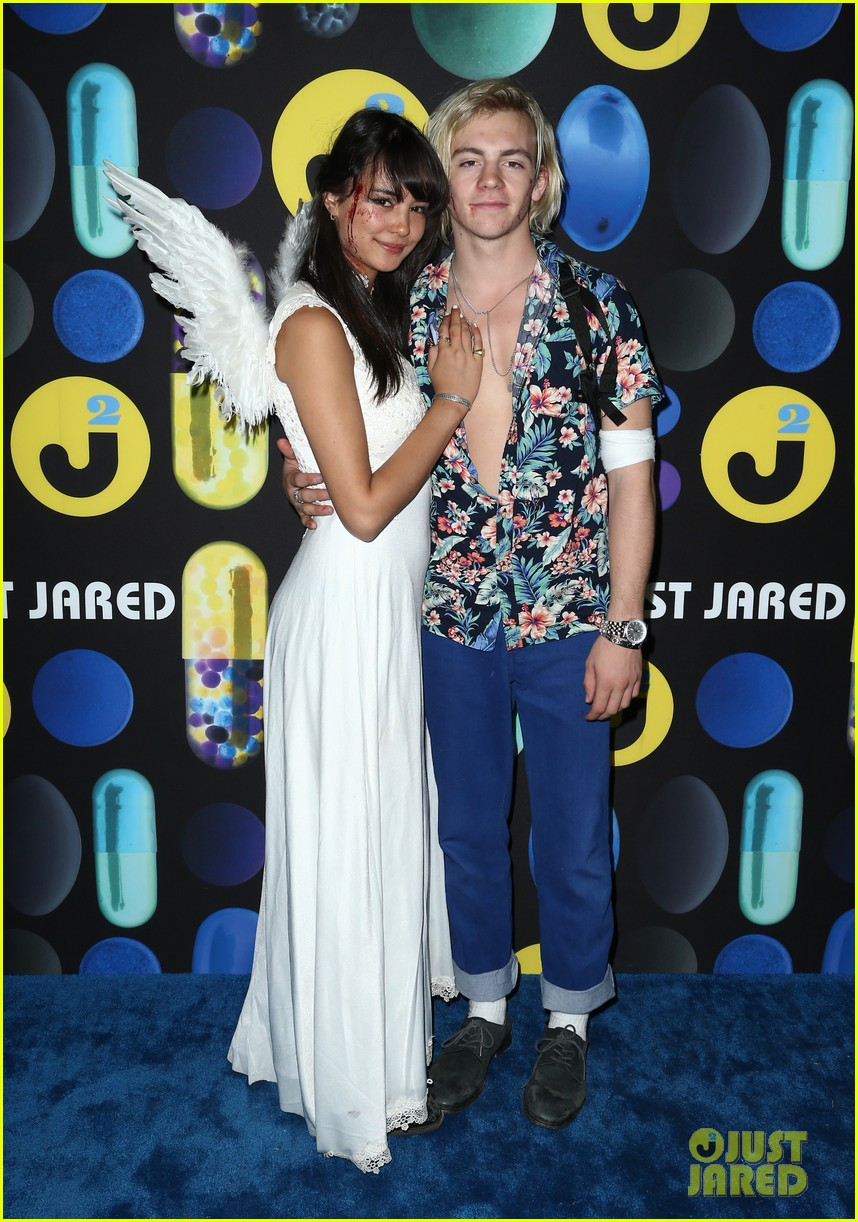 ross lynch courntey eaton just jared halloween party 01