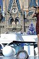 Disney-parade disney christmas parade full lineup pics 03