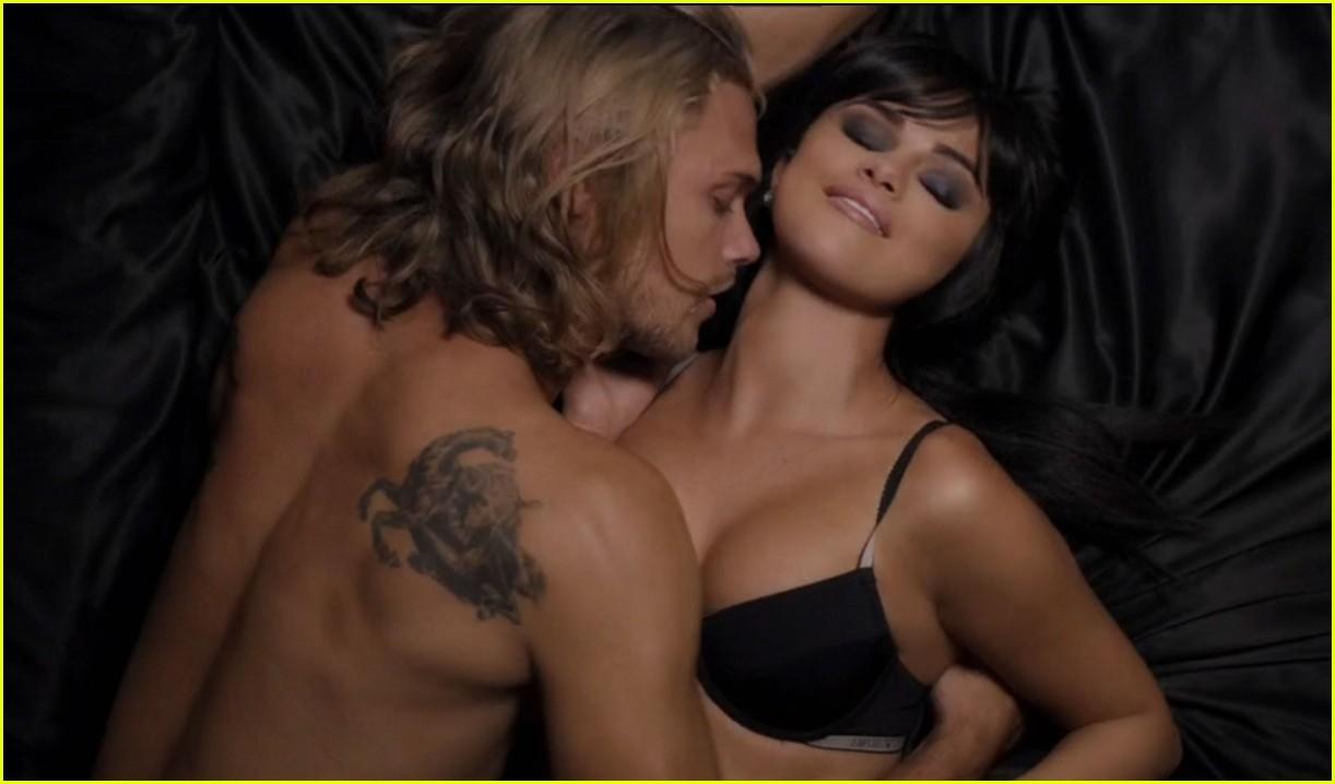 Самые эротические откровенные музыкальные клипы 19 фотография