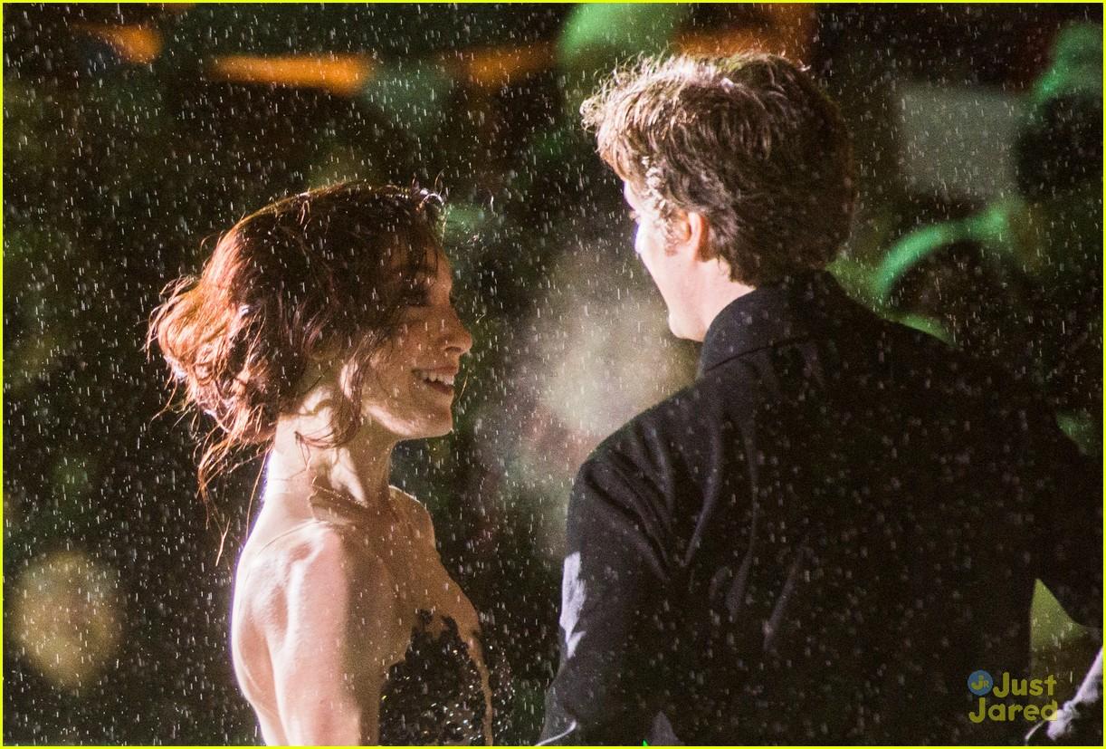 Мэрил Девис-Чарли Уайт - Страница 2 Meryl-davis-charlie-white-ice-dance-in-rain-03